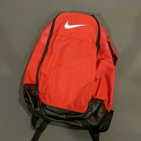 8a0d01d40c9c Nike Brasilia XL Backpack. M 5acad7e18290afb2e1956fdb
